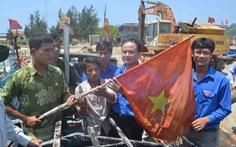 Anh ngư dân cứu 32 người Trung Quốc từng bị tàu Trung Quốc bắn cháy tàu