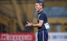 Hà Nội bị gỡ hòa 2-2, HLV Chu Đình Nghiêm tính xông vào sân gặp trọng tài