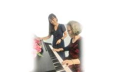 Thực hiện ước mơ ở tuổi xế chiều: Bà cụ 80 tuổi với cây đàn piano