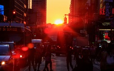 Cúp điện bất ngờ, thành phố New York tê liệt