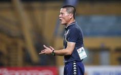 HLV Chu Đình Nghiêm xin lỗi sau khi chửi trọng tài