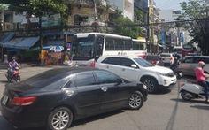 Đà Nẵng thắt chặt dừng, đỗ ô tô để giảm ùn tắc