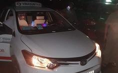 Bắt hai thanh niên dùng dao đâm tài xế taxi