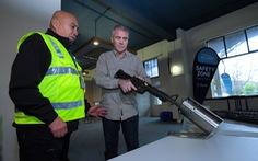 Người New Zealand 'bán lại' 10.000 khẩu súng cho chính phủ