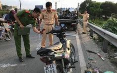 Xe buýt va chạm xe máy, 1 người tử vong