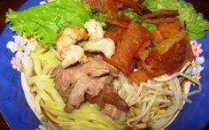 Lang thang ăn rong phố Hội, nơi 'trăm vật đều ngon'