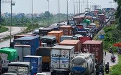 Tắc đường kéo dài trên quốc lộ 5 sau ba vụ tai nạn liên tiếp