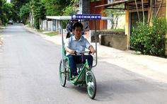 Xe lắc chạy bằng năng lượng mặt trời cho người khuyết tật