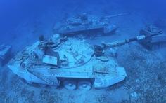 Nhận chìm xe tăng, trực thăng chiến đấu... xuống biển để mở bảo tàng