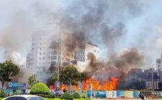 Dân thản nhiên đốt, 114 gồng mình một ngày 10 tin báo cháy... cỏ