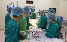 Nữ bệnh nhân bị hóc thịt bò, biến chứng ápxe cạnh miệng thực quản