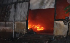 Hải Dương: Cháy nhà, 2 mẹ con thiệt mạng