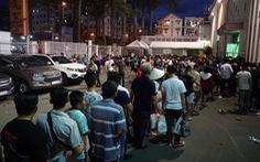 Nhiều CĐV thẫn thờ vì mua phải vé giả trận TP.HCM - Hà Nội
