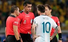 Messi và các cầu thủ Argentina chỉ trích trọng tài thiên vị tuyển Brazil