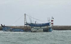 Tàu chở dầu chìm ở Phú Quý: bơm hút thuận lợi, giảm thiểu nguy cơ tràn dầu