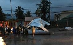 Bình Thuận: Mưa lớn kèm lốc xoáy làm tốc mái nhiều nhà dân