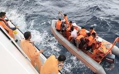 Phát hiện 2 thi thể gần tàu cá Nghệ An bị đâm chìm