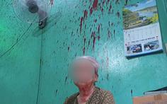 Video: Tạt mắm tôm, sơn đỏ vào nhà dân ngay tại trung tâm TP.HCM