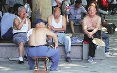 Tế Nam yêu cầu đàn ông không 'bikini Bắc Kinh', hở bụng, lòi rốn