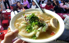 Chiều Sài Gòn nhớ Huế, chạy đi húp tô bánh canh 'Mạ tôi'