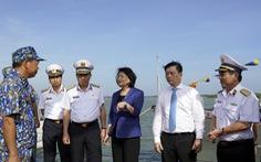 Phó chủ tịch nước Đặng Thị Ngọc Thịnh thăm tiểu đoàn DK1