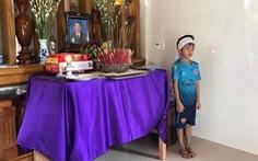 3 gia đình ngư dân Quảng Bình mất tích lập bàn thờ người thân, 1.000 tàu vẫn đi tìm