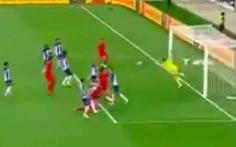 Khoảnh khắc của... 'siêu nhân': thủ môn Marchesin với 2 pha cứu thua 'không tưởng'