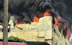 Cháy lớn tại Khu công nghiệp Sài Đồng gần Aeon Mall Long Biên