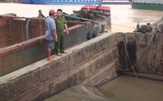 Cảnh sát truy đuổi 4 đối tượng 'cát tặc' trên sông Đồng Nai