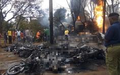 Thảm họa kinh hoàng: xe bồn nổ, 60 người chết, 70 người bị thương vì 'hôi dầu'