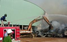 Cháy 8.000m2 kho xưởng ở Khu công nghiệp Phú Tài