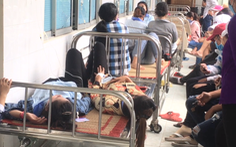 Nhà xưởng phun thuốc diệt mối mọt, hàng chục công nhân nôn ói, nhập viện