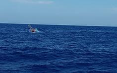 Tàu cá chìm ngoài khơi Thừa Thiên Huế trong đêm, 7 ngư dân Đà Nẵng được cứu