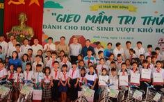 """280 suất học bổng """"Gieo mầm tri thức"""" cho học sinh nghèo Vĩnh Long"""