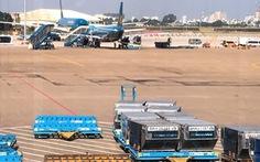 Ấn tượng 'nhớ mãi' của vợ chồng du khách Anh ở sân bay Tân Sơn Nhất