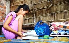 'Gieo mầm tri thức': Đường đến trường chông chênh của Yến và Xuân