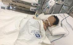 Bé trai 27 tháng tuổi nguy kịch nghi do dùng Paracetamol 4 viên/ngày