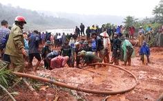 Lở đất gần hồ thủy điện Đắk Sin 1, sơ tán 9 hộ dân bị ảnh hưởng