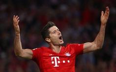 VAR và Lewandowski giúp Bayern Munich thoát thua trước Hertha Berlin