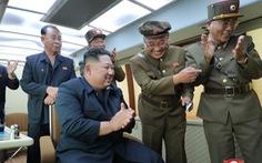 Triều Tiên lại phóng 2 vật thể bay chưa xác định ra biển