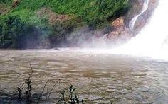 Đi tắm thác nước, 3 người mất tích