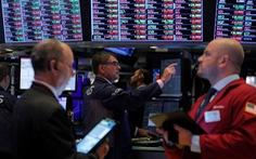 Chứng khoán Mỹ từ xanh thành đỏ sau khi ông Trump nói áp thuế Trung Quốc