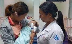 Êkip 20 người mổ tim cứu bé 3 ngày tuổi