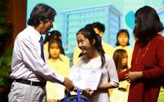 Trao 150 suất học bổng Tiếp sức đến trường cho tân sinh viên Quảng Nam - Đà Nẵng