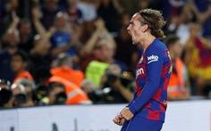 Griezmann 'nịnh' Messi khi ghi 'siêu phẩm' giúp Barca chiến thắng