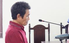 'Nựng' bé gái 7 tuổi, lãnh 2 năm tù