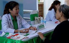 Chuyên gia dinh dưỡng NutiFood tư vấn dinh dưỡng cho các cụ cao niên