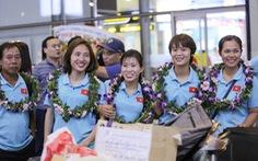 Các nữ tuyển thủ vô địch Đông Nam Á về nước trong lặng lẽ