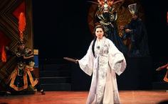 Sân khấu dịp lễ 2-9: Tiên Nga trụ sàn diễn, các rạp hết công suất