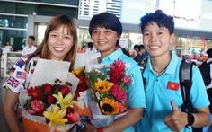 Sân bay Tân Sơn Nhất đìu hiu đón các nữ tuyển thủ tân vô địch Đông Nam Á
